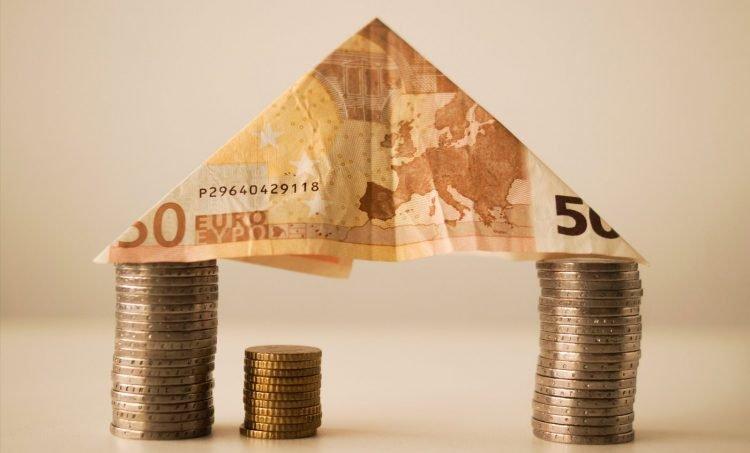 Ile zarabia architekt wnętrz?